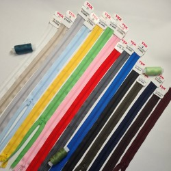 YKK 45cm/4mm plastmasas...